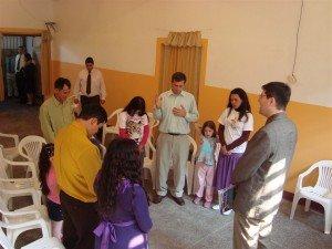 Pr. James Schimitt Vieira ministrou a primeira aula da Escola Bíblica Infantil, parte do projeto que visa alcançar crianças em todas as casas prisionais atendidas pelo Ministério Restauração
