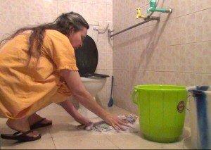 Lavando roupas no tanque indiano