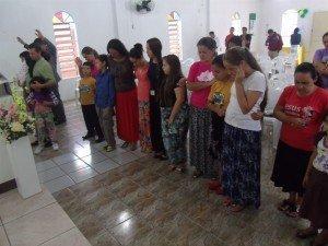 Crianças e adolescentes receberam a oração