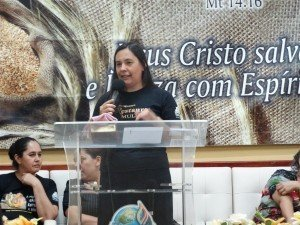 A Dcª Rosane Bottini, coordenadora do Pilar Administrativo, em nome da Superintendência, falou sobre o grande amor de Deus