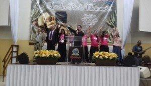 Diversos pastores participaram juntamente com as irmãs
