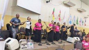 Participação do grupo de louvor