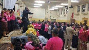Muitas pessoas receberam a oração final