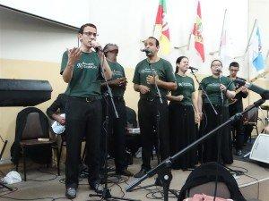 O Grupo de louvor adorou a Deus junto a Geração Eleita