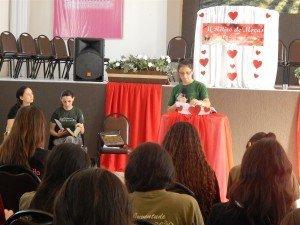 Dcª Gládis Machado ministrou um abençoado estudo na parte da tarde
