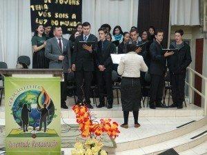 Moços e moças de Sapucaia do Sul adoraram ao Senhor nos dois dias