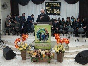 O encarregado da Área, Pr. Francisco da Silva, esteve incumbido de pregar a mensagem de encerramento do Encontro