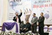 SEGUNDA NOITE DA XXII CONFERÊNCIA INTERNACIONAL DE MISSÕES HERÓIS DA FÉ É MARCADA PELO QUEBRANTAMENTO