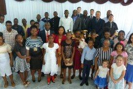ESCOLA BÍBLICA E CULTO PARA HAITIANOS NA CONGREGAÇÃO BETÂNIA EM CACHOEIRINHA/RS