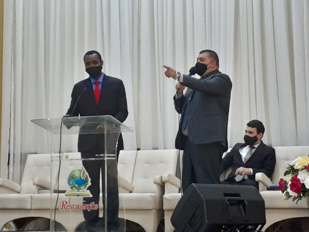 Pb. Pascal Silas, Líder do Departamento de Apoio ao Estrangeiro, e Ev. Roberto Martins