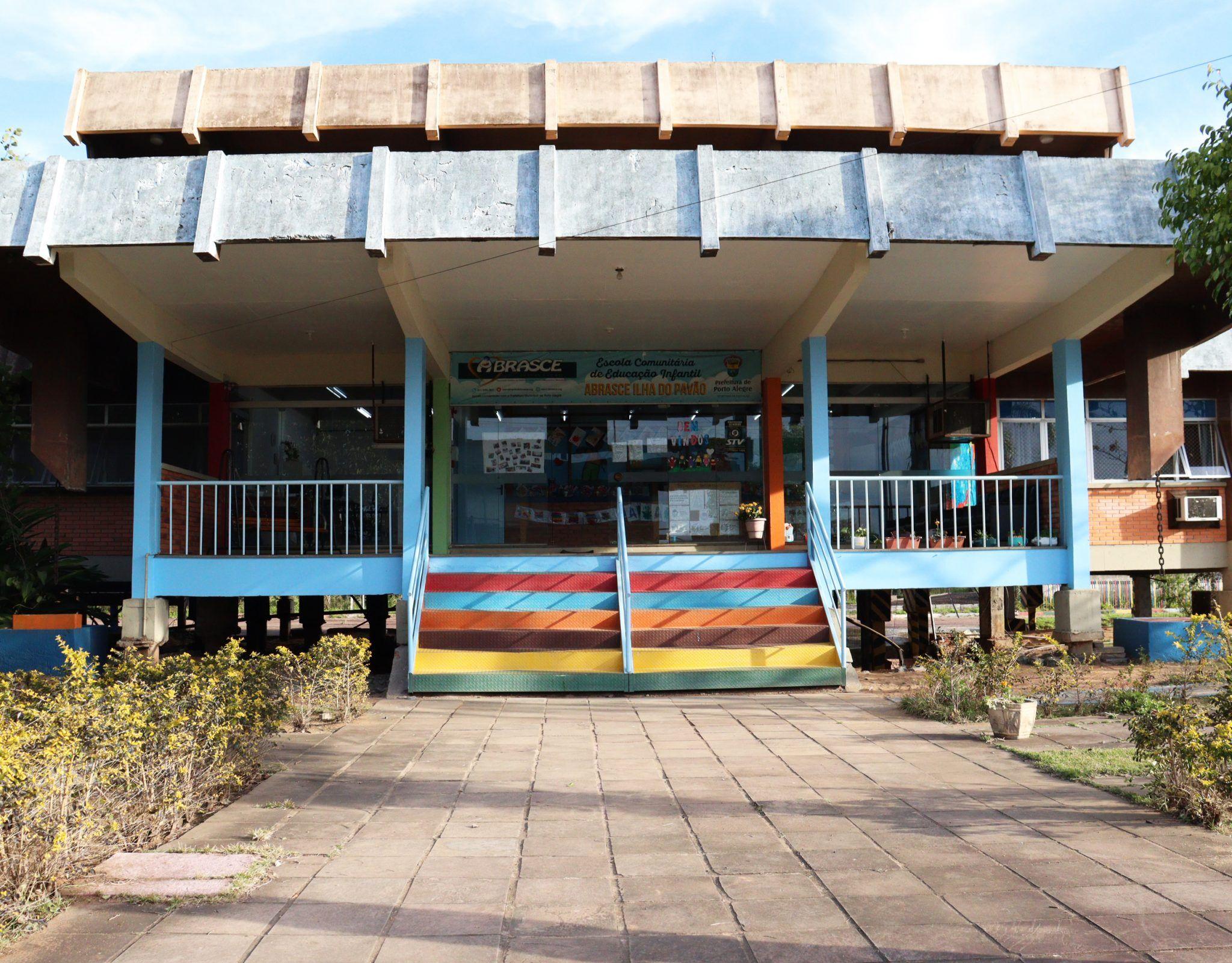 Fachada da Escola ABRASCE Ilha do Pavão.