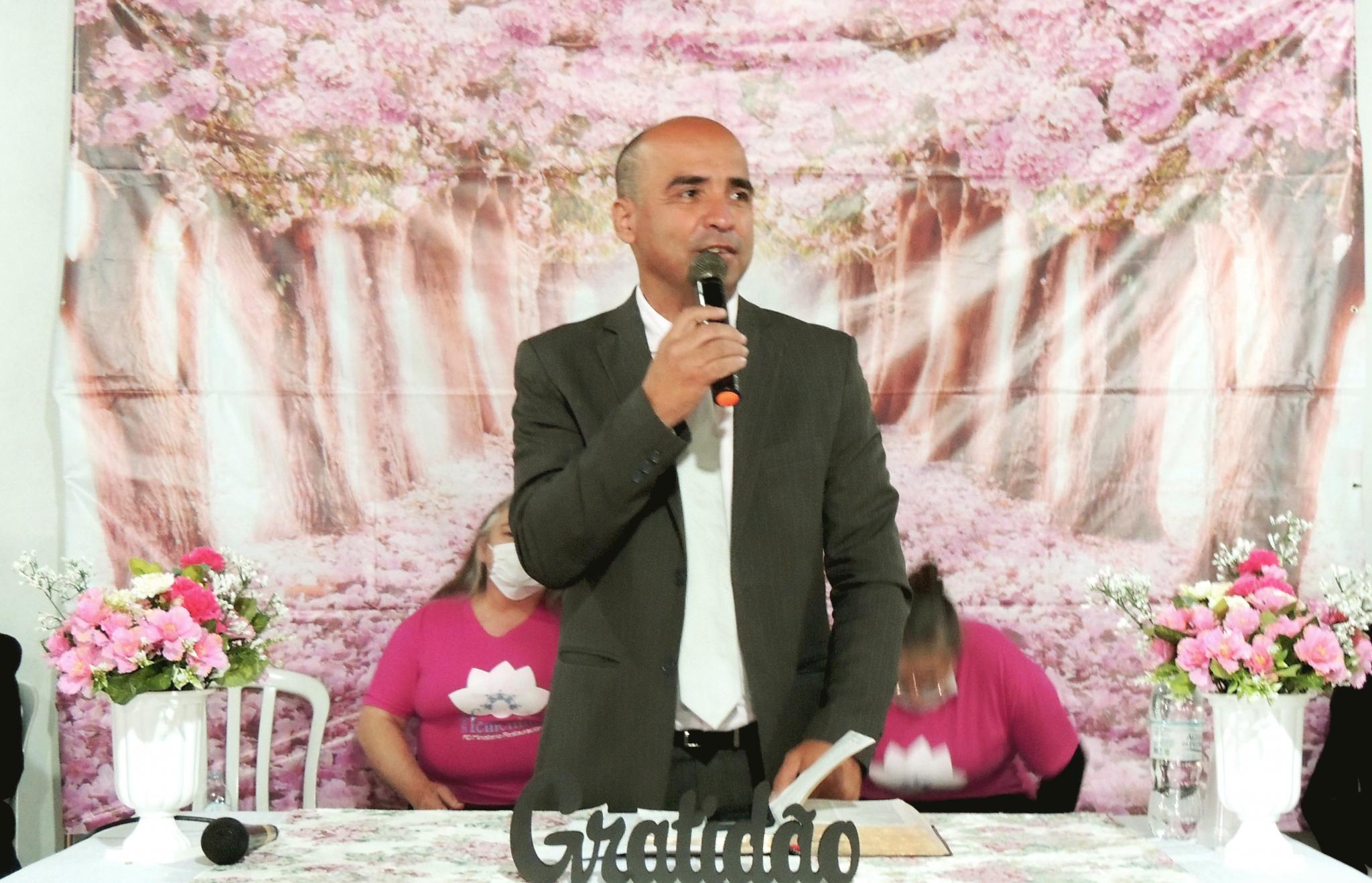 Pr. Marcelo de Oliveira, encarregado da Área Itajaí, ministrou o curso de Capacitação Diaconal.