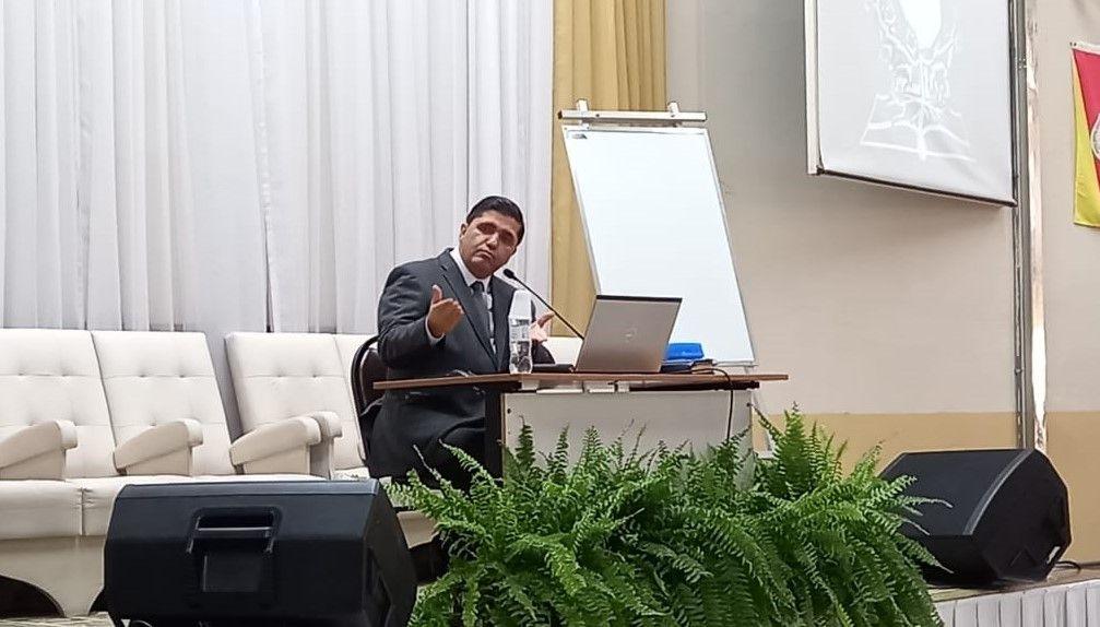 Pr. Humberto Schimitt Vieira ministrou a terceira aula do Curso para Noivos e Recém-Casados.